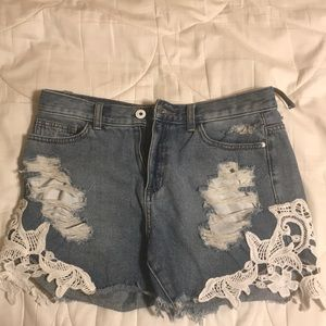 Sneak peak size small frayed denim shorts